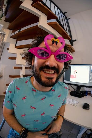 Pablo Gonzalez, Kommunikationsdesigner husare.